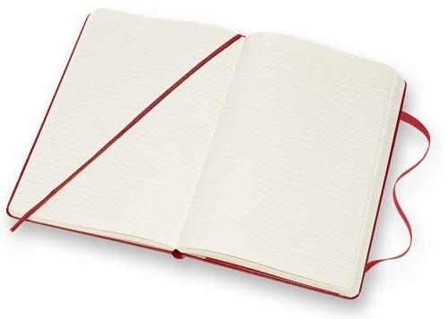 carnet de notes rouge ouvert